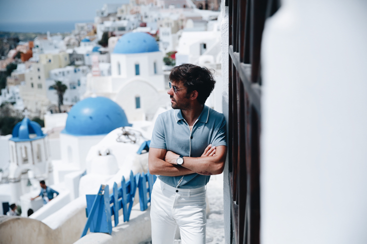 WHITE & BLUE FOR OIA